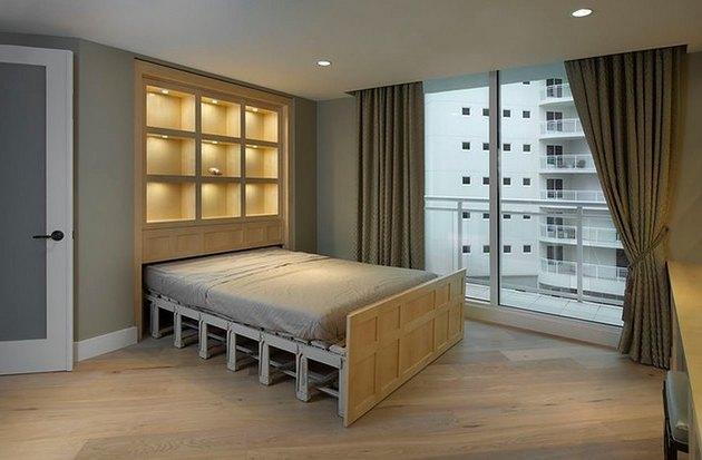 Zoom bed Murphy bed