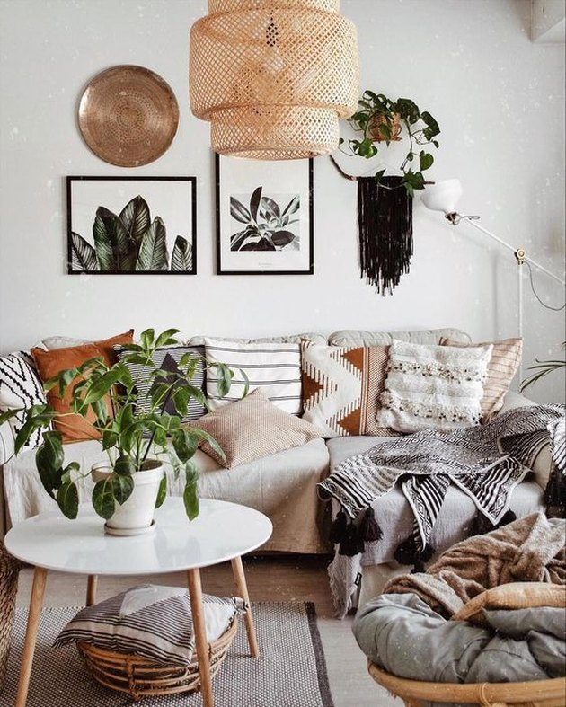 modern living room lighting idea with boho pendant light