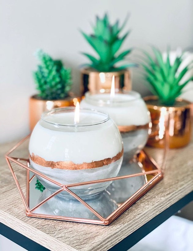 round white and gold candles