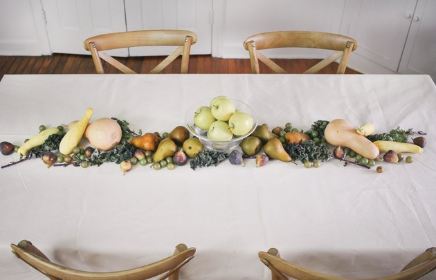 Figs and grapes added to table runner
