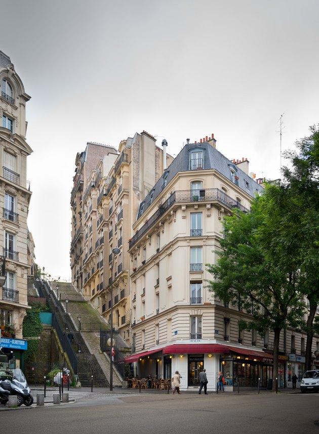 montmartre paris streets