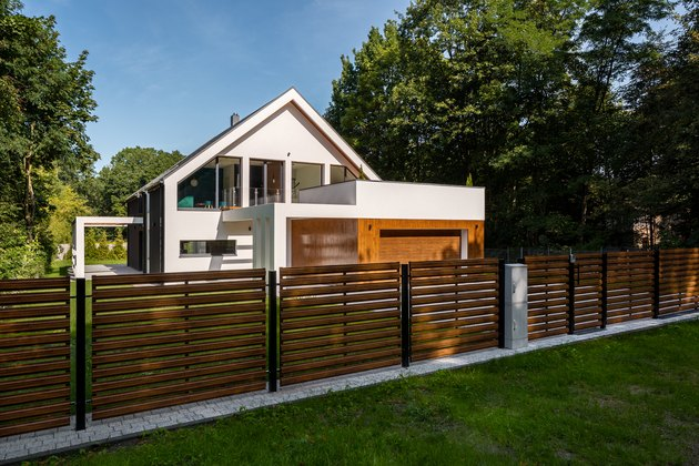Spacious house with garage