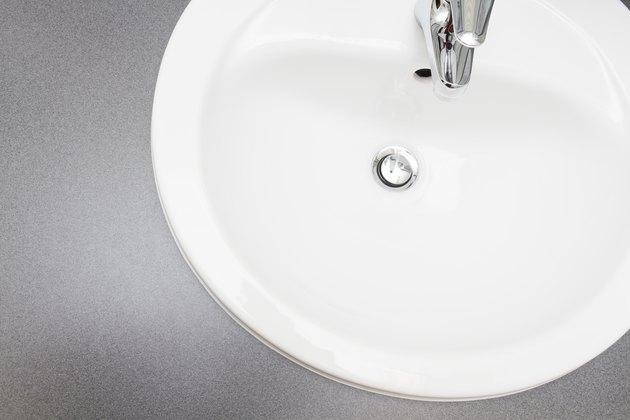 White ceramic Washing Basin