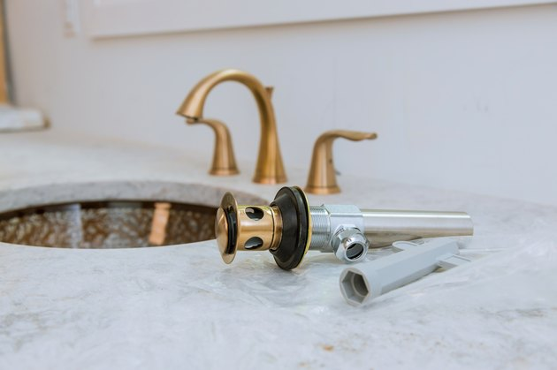 Bathroom, plumbing repair service, assemble and install sink