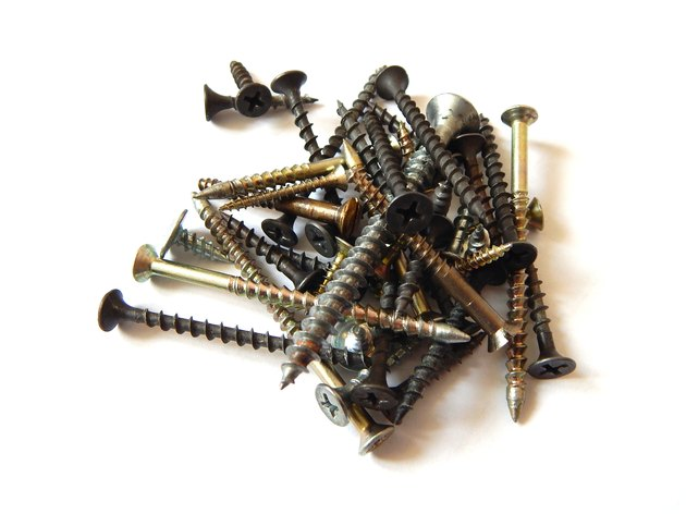Screws, wood screws and metal screws.