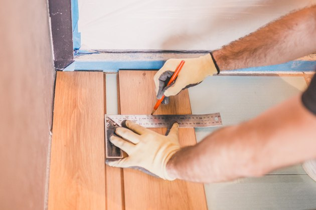 How To Install Vinyl Plank Lvp Flooring Hunker