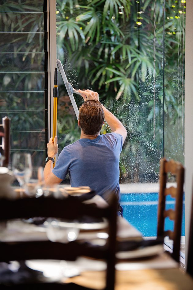 How to Wash Windows
