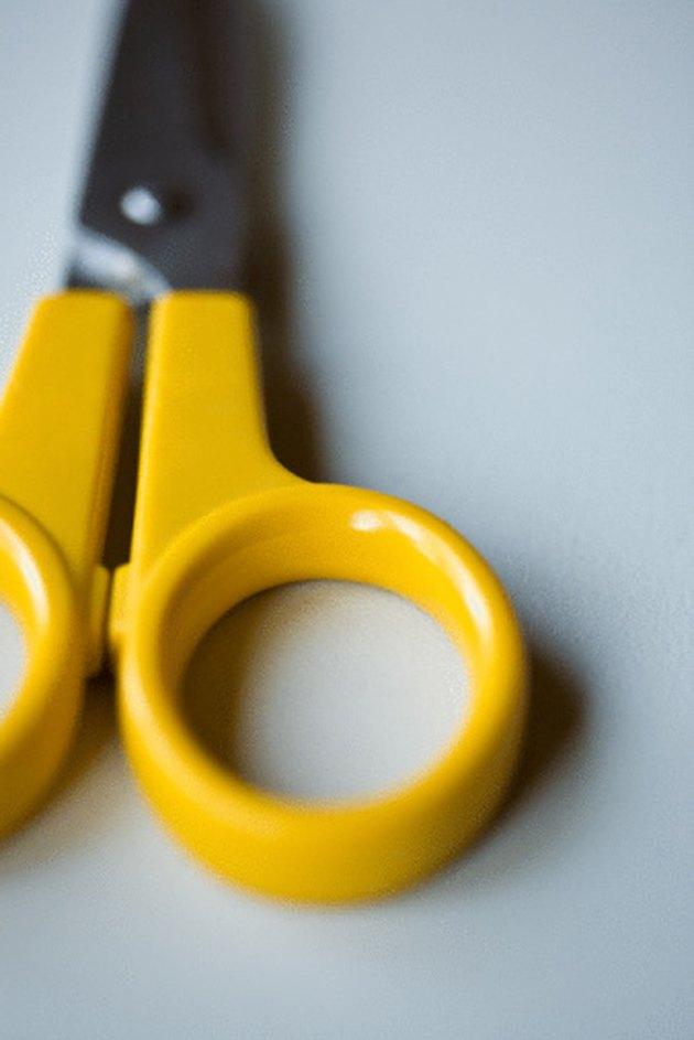How to Clean Rust Off Scissors