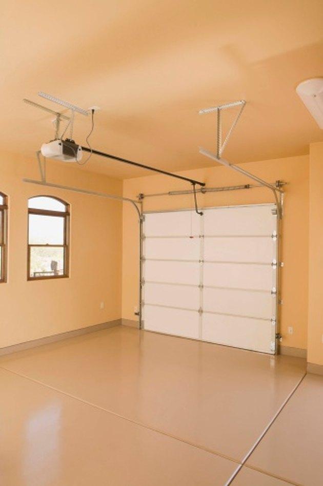 How to Reengage a Garage Door Opener
