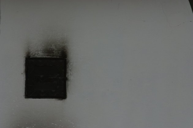 How to Clean Soot With Vinegar