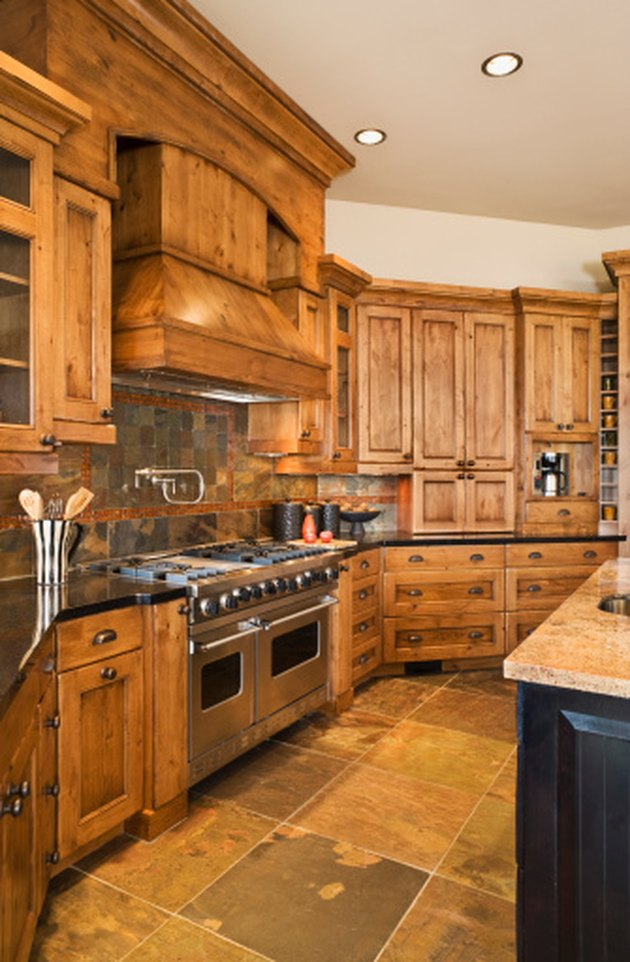 Design In Wood What To Do With Oak Cabinets: How To Decorate Around Natural Wood Kitchen Cabinets