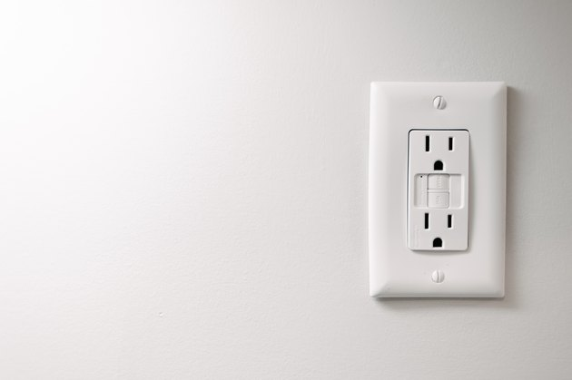 Simple Electric Outlet