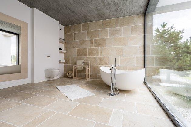 Amazing,spacious bathroom