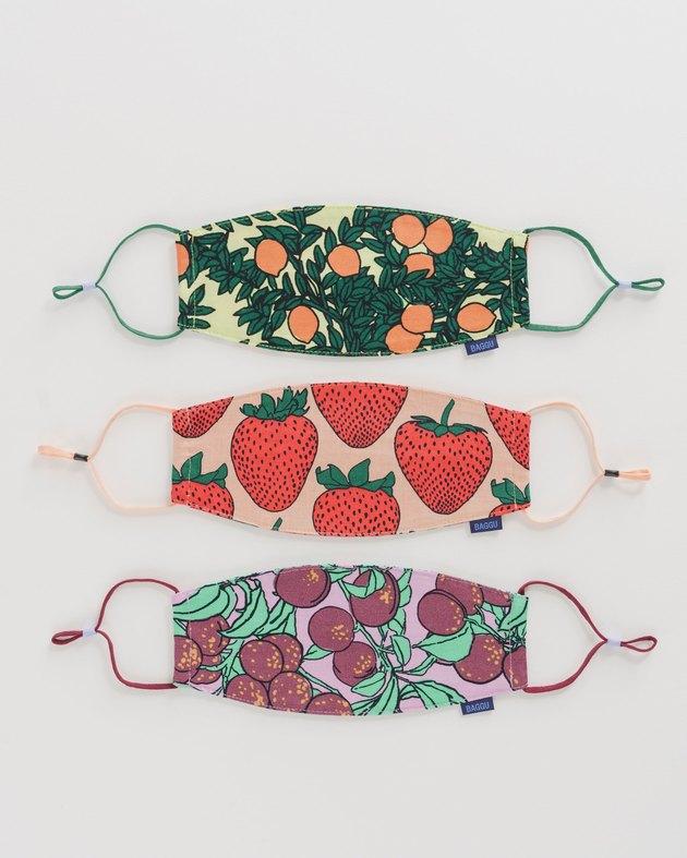 https://baggu.com/products/fabric-mask-set-loop-backyard-fruit