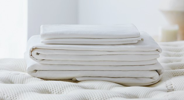 Saatva Organic Percale Sheet Set
