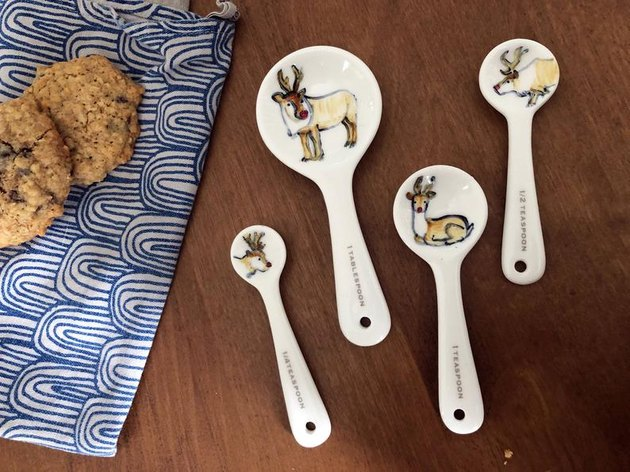 reindeer ceramic measuring spoons