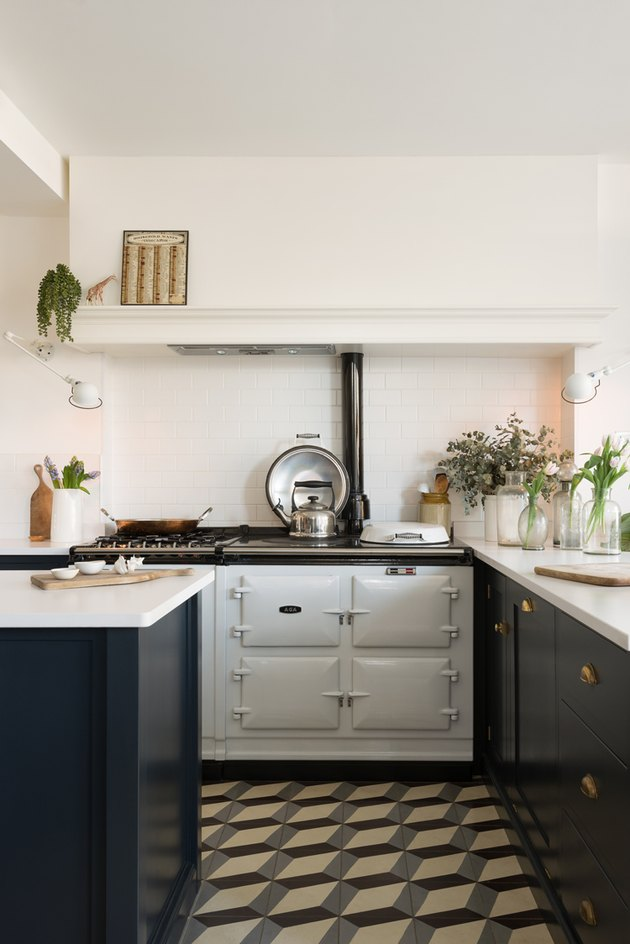 white aga cooker with gas stovetop