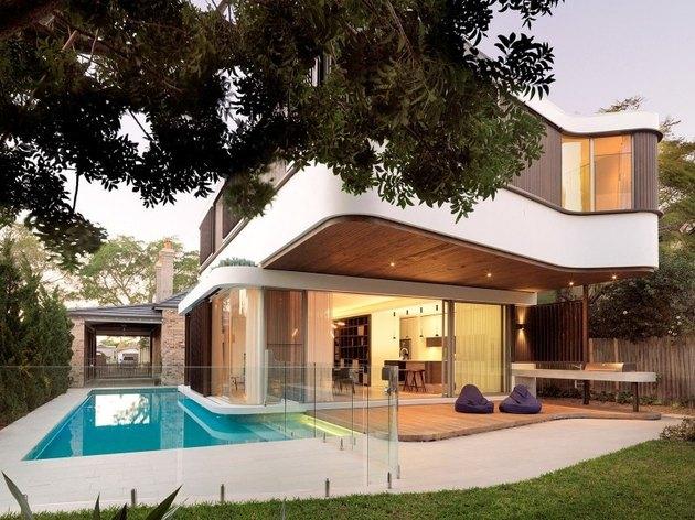 Contemporary pools wraparound