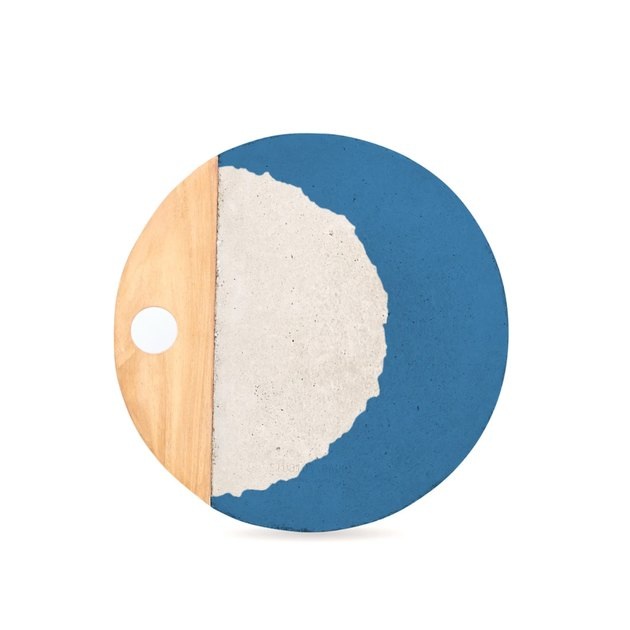 blue white and wood platter