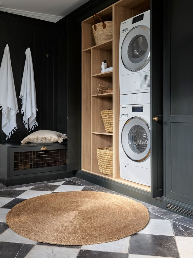 round rug in laundry room