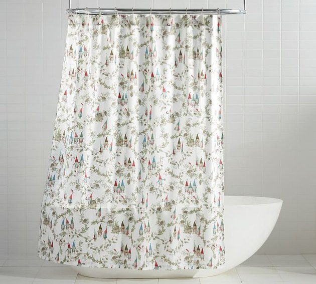 holiday shower curtain near tub
