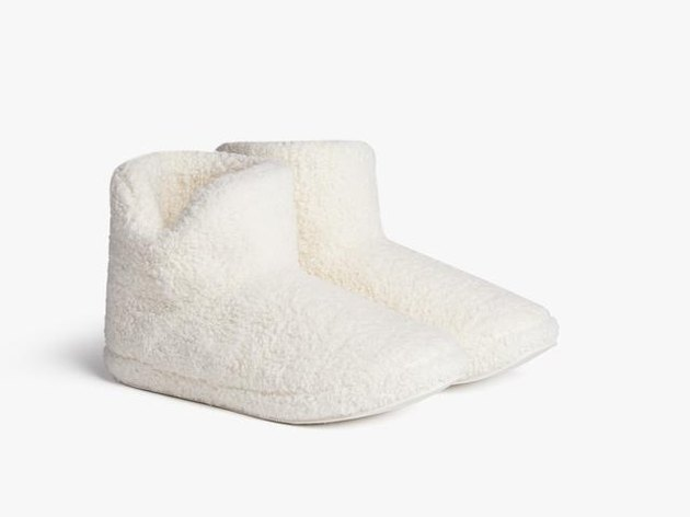 white sherpa pull-on booties