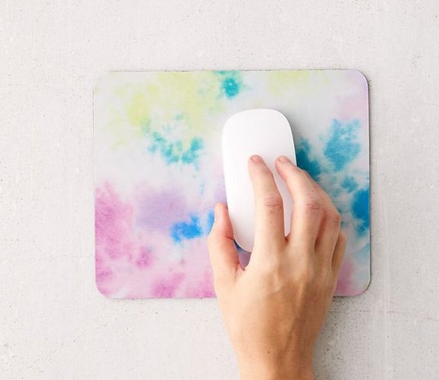 urban outfitters rainbow tie-dye mousepad with white apple mouse