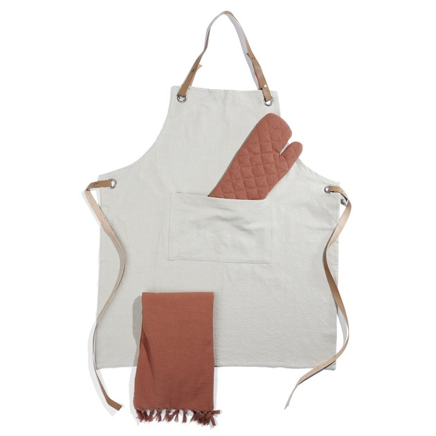 apron with two mitts