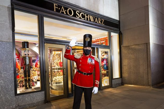 FAO Schwarz storefront and toy soldier guide