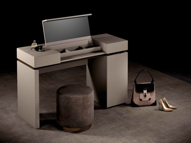 Olivieri Vanity with velvet stool