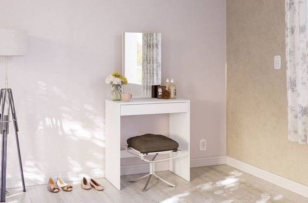 Chique Miami Vanity with mirror and upholstered stool