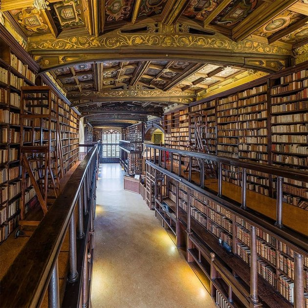 the inside of the bodleian library in oxford, english
