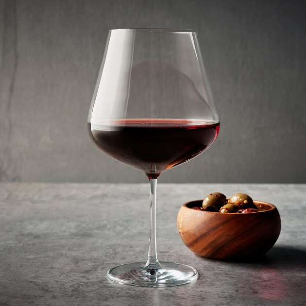 Soft-bodied red wine glass