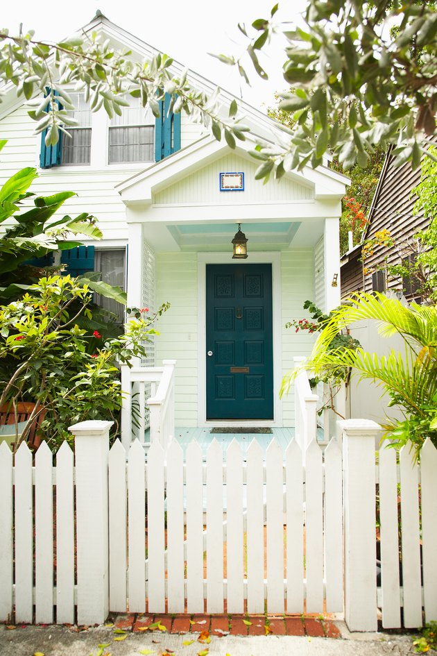 Quaint house and white picket fence in Miami, Florida