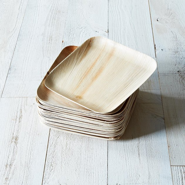 If a tree falls in the forest, it may not make a sound -- but it does make a plate. Or a bowl, or a serving dish. This minimalist disposable dinnerware is a no-brainer for your next big party.