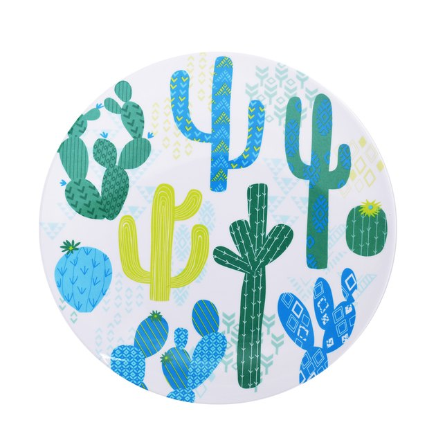 Add a fun summer look to your dinnerware collection with the Set of 4, Cactus Melamine Dinner Plates by Mainstays. Plates and bowls do way more than just hold food! Dinnerware sets make it easy to set the table in style, giving you a classic coordinated tablescape that offers maximum beauty with minimal effort.