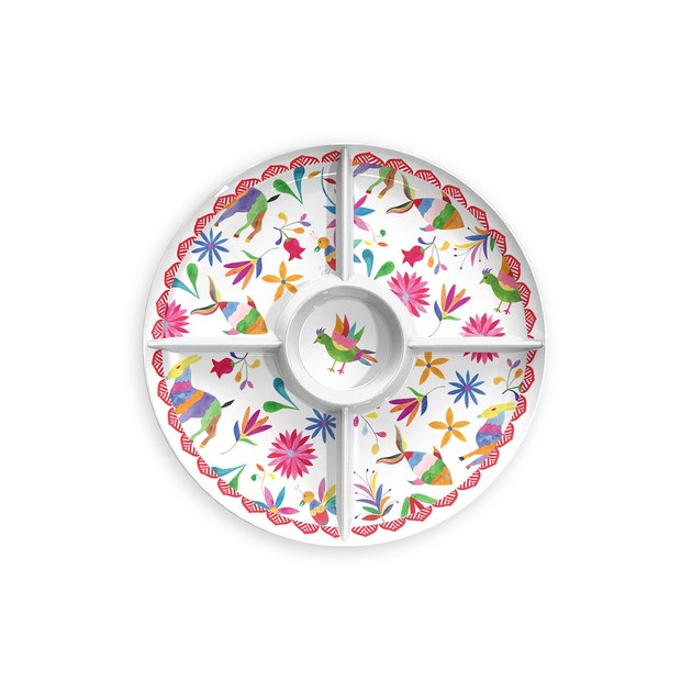 Whether at a dinner party or an outdoor barbecue, this Mainstays Festive Melamine Chip and Dip divided server with a watercolor Otomi design, will add a touch of color and pattern to your table.
