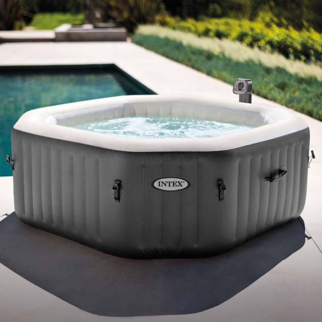 Pamper yourself in relaxing heated water surrounded by soothing bubble jets. The PureSpa provides relaxation at the touch of a button for up to four people. The Fiber-Tech Construction and the puncture-resistant three-ply laminated material provide the ultimate comfort, support and durability.