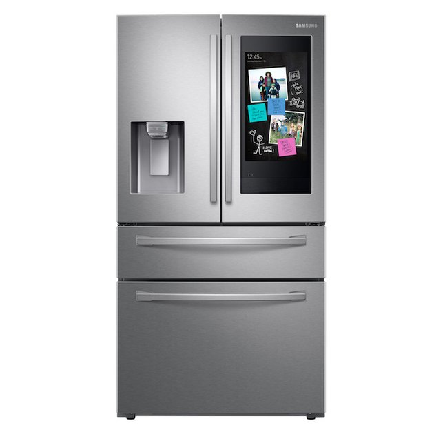 4-Door French Door Refrigerator with Touch Screen Family Hub™ in Stainless Steel