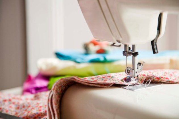 How to Fix the Timing of a Kenmore Sewing Machine