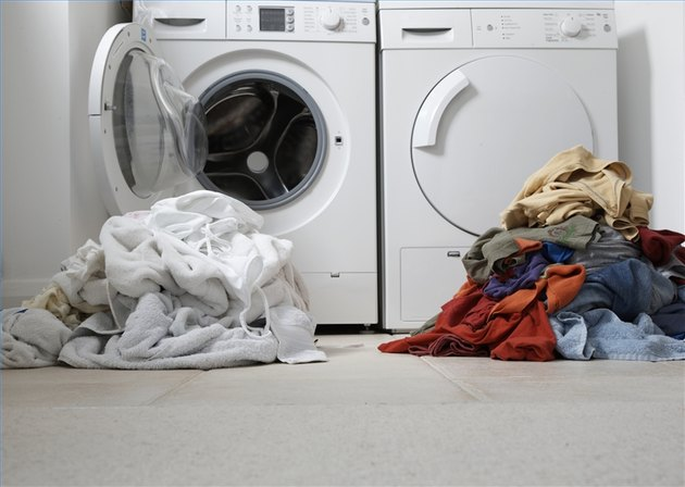 How to Do Laundry Without Fabric Softener