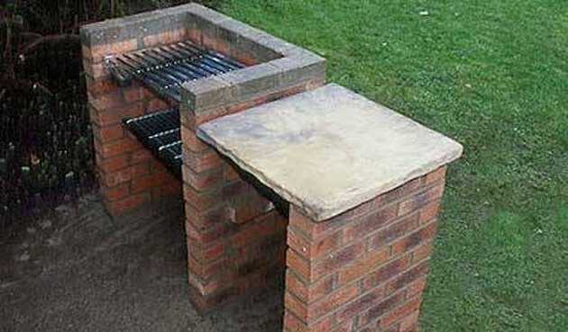 How to Build an Outside BBQ Grill