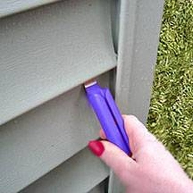 How To Replace Vinyl Siding Corners Hunker