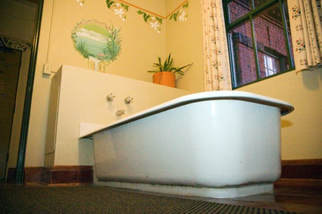 How to Replace the Floor Under a Bathtub