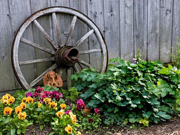 How to Make Decorative Wagon Wheels