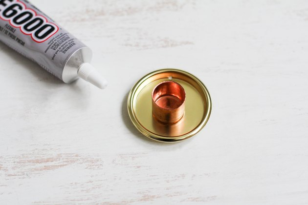 Glue with cup pull