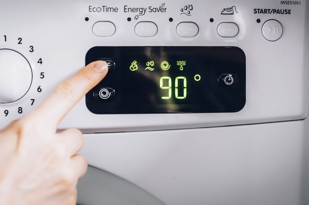 Temperature screen on a washing machine