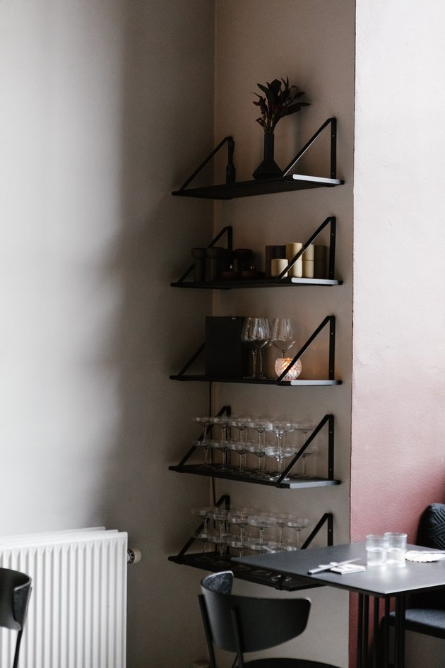 Shelving with glassware in Minimalist bar