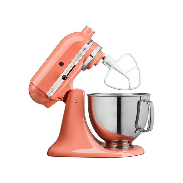 Make up to 9 dozen cookies in a single batch with the KitchenAid Artisan Series 5 Quart Tilt-Head Stand Mixer. This mixer also features 10 speeds to thoroughly mix, knead and whip ingredients quickly and easily and is available in a variety of colors to perfectly match your kitchen design or personality.