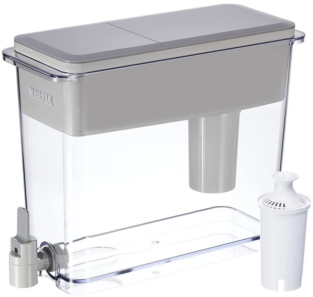 The reviews and price on this countertop filter can't be beat. It boasts a simple style that will easily work in any kitchen.